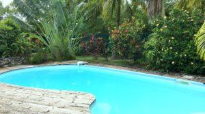 SAINT-FRANCOIS -Villa de charme avec piscine et accès mer