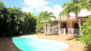 SAINT-FRANCOIS- Villa style créole avec piscine et accès plage
