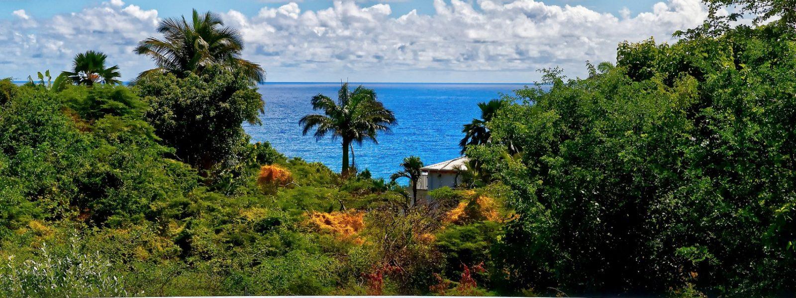 Superbe villa 6 chambres vue mer – quartier prisé – Ste-Anne