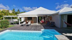 Villa Moderne avec piscine – Route Touristique – St-Francois