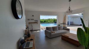 Villa contemporaine neuve – Vue dégagée – 3 chambres – piscine – Saint-Francois