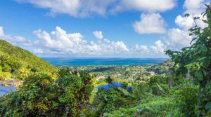 Etablissement touristique, plein de charme à Deshaies – Villa + 9 gîtes- Vue mer imprenable